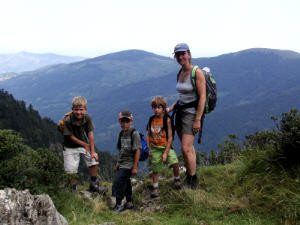 hiking with children from 4 years
